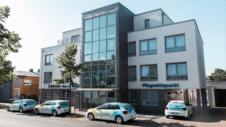 haus-der-pflege-right